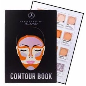 NWT Anastasia Beverly Hills Contour Book